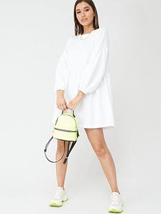 boohoo-boohoo-ruched-sleeve-oversized-sweat-dress-cream