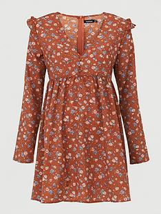 boohoo-ditsy-floral-smock-day-dress--nbspprint