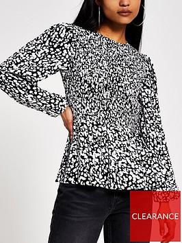 ri-petite-printed-shirred-top-black