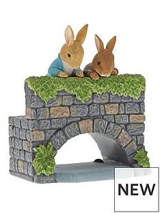 peter-rabbit-peter-rabbit-over-the-bridge-figurine