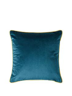 velvet-piped-cushion