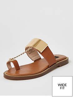 river-island-wide-fit-toe-loop-chain-sandal-tan