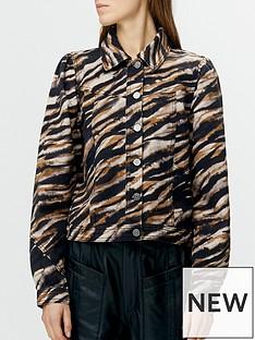 gestuz-feline-tiger-print-denim-jacket-blackbrown