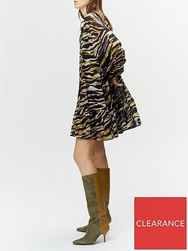 gestuz-crisanta-tiger-print-smock-dress-blackbrown