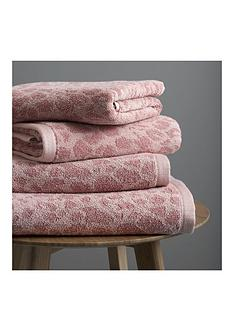 catherine-lansfield-leopard-towel-range
