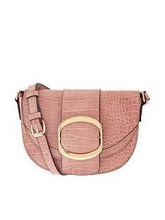 accessorize-buckle-saddle-bag
