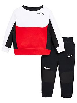 nike-airnbspinfant-boynbspcrew-neck-top-and-joggersnbspset-black