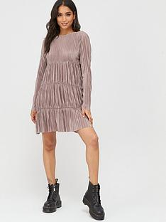 boohoo-boohoo-pleated-long-sleeve-tiered-smock-dress-taupe