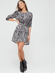 river-island-zebra-print-belted-puff-sleeve-jersey-dress-black