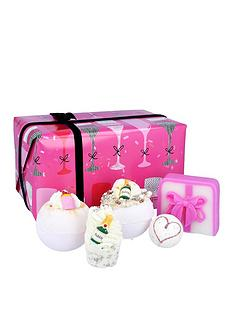 bomb-cosmetics-prosecco-party-bath-bomb-gift-set