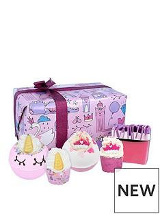 bomb-cosmetics-bomb-cosmetics-unicorn-princess-bath-bomb-giftset