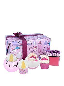 bomb-cosmetics-unicorn-princess-bath-bomb-gift-set