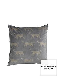 gallery-leopard-metallic-velvet-cushion