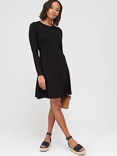 v-by-very-volume-hem-skater-dress-black