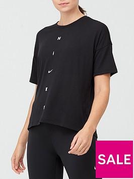nike-training-pronbspoversized-t-shirt-blacknbsp