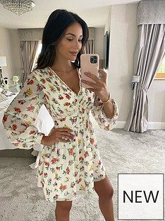 michelle-keegan-lace-trim-printed-skater-dress-floral