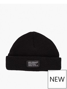 levis-cropped-beanie-black