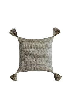 gallery-herringbone-pet-tassel-cushion