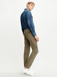 levis-standard-taper-fit-chino