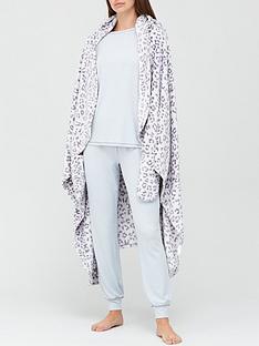 v-by-very-christmas-gift-wrap-leopard-printnbsp-blanket-neutral