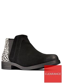 clarks-demi2-beat-chelsea-ankle-boot-black