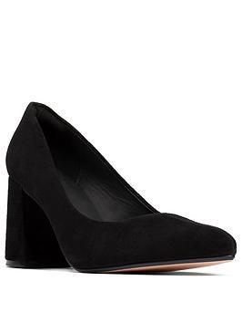 clarks-laina85-printed-heel-block-court-shoe-black