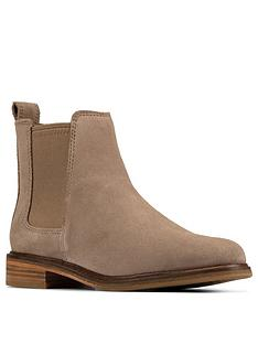 clarks-clarkdale-arlo-chelsea-ankle-boot-pebble