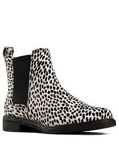 clarks-clarkdale-arlo-dalmatian-chelsea-ankle-boot-animal-print