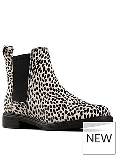 clarks-clarkdale-arlo-dalmatian-chelsea-ankle-boot-animal-print