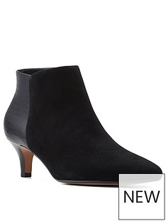 clarks-linvale-sea-ankle-boot-black