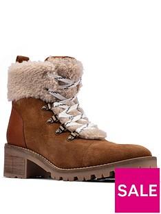 clarks-roseleigh-sky-chunky-block-heel-ankle-boot-dark-tan