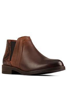 clarks-demi2-beat-chelsea-ankle-boot-dark-tan