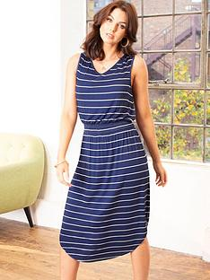 pour-moi-shirred-waist-midi-jersey-dress-navystripe