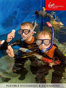 virgin-experience-days-junior-snorkel-with-baby-sharks-at-skegness-aquarium-lincolnshire