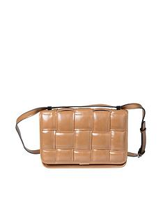 steve-madden-bmatter-crossbody-bag-tan