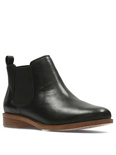 clarks-taylor-shine-leather-chelsea-ankle-boot-black