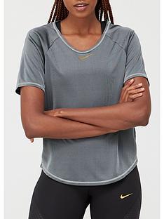 nike-running-icon-clash-t-shirt-blacknbsp