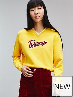 tommy-jeans-v-neck-sweatshirt-yellow