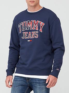 tommy-jeans-tjmnbspplaid-tommy-graphic-crew-sweatshirt-navy