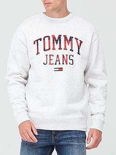 tommy-jeans-tjm-plaid-tommy-graphic-crew-sweatshirt-grey