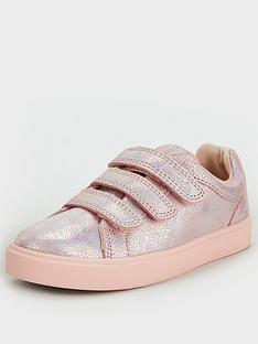clarks-city-oasis-lo-kid-strap-trainer-pink-metallic