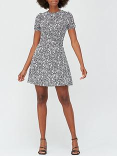 v-by-very-round-neck-belted-mini-dress-monochrome-print