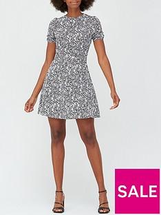 v-by-very-round-neck-belted-mini-dress-monochrome-print