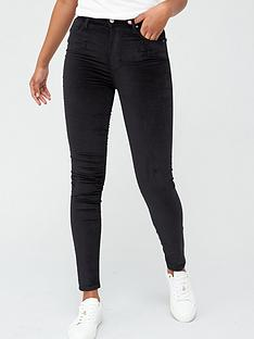 levis-721-high-rise-skinny-jeans-black