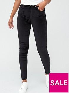 levis-721-high-rise-skinny-jeans-black