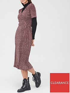 v-by-very-plisse-short-sleevenbspwrap-midi-dress-animal