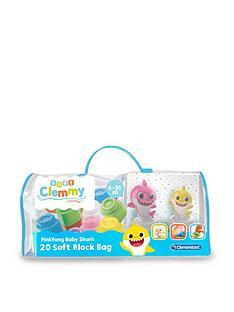 baby-shark-clemmy-bag