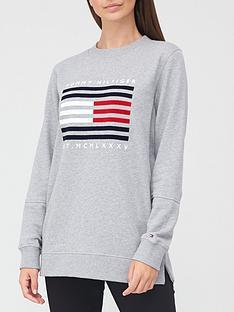 tommy-hilfiger-regular-flag-sweatshirt-grey