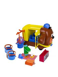 hey-duggee-adventure-bus-playset