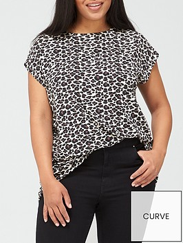 v-by-very-curve-batwing-t-shirt-animal-print